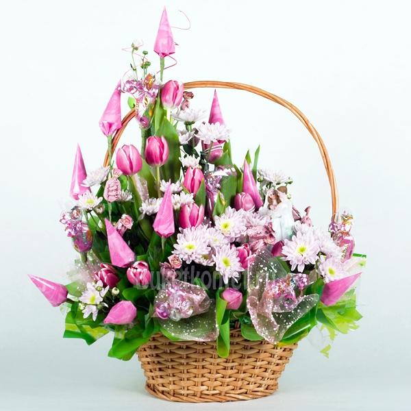 Букет из цветов и конфет фото