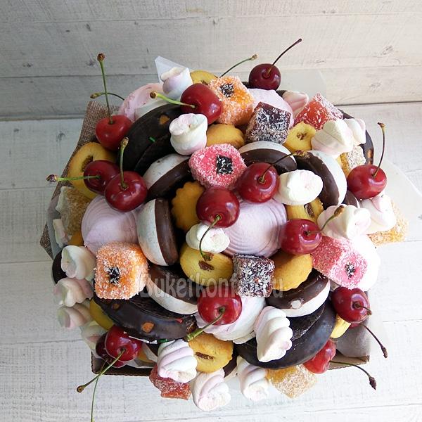 Букет из мармелада и печенья, приглашенных букеты роз